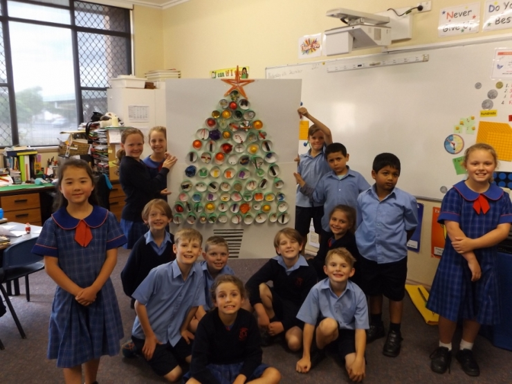 Year 2B Bunnings Christmas Tree